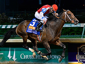 Moonshine Mullin wins the Stephen Foster Handicap.