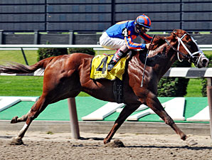 Munnings wins the 2009 Woody Stephens.