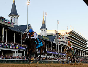 My Miss Aurelia wins the 2011 Breeders' Cup Juvenile Fillies.