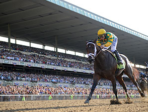 Palace Malice wins the 2013 Belmont Stakes.