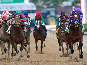 Plum Pretty wins the 2011 Kentucky Oaks.