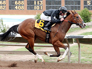 Poblano wins the George Maloof Futurity.