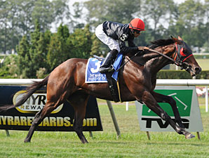 Point of Entry wins the 2012 Man o' War.