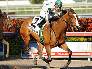 Pomeroys Pistol wins the 2011 Forward Gal.