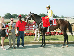 Prospective wins the 2012 Ohio Derby.