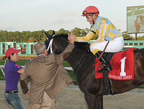 Prospective wins the 2012 Tampa Bay Derby.