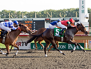 Rocket Twentyone wins the 2011 Arlington-Washington Lassie.