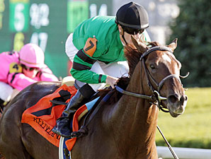 Rogue Romance wins the 2010 Bourbon.