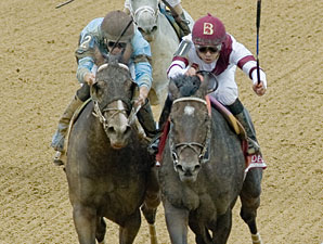 Royal Delta wins the 2012 Delaware Handicap.
