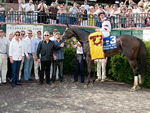 Royal Delta wins the 2013 Delaware Handicap.
