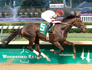 Royal Delta wins the 2012 Fleur de Lis.