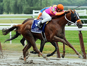 Ruler On Ice taking the lead in the Belmont Stakes.