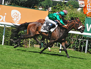 Sarafina wins the Saint Cloud Grand Prix.