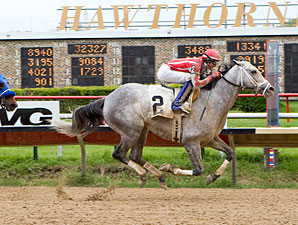Seans Silverdancer wins the 2012 Peach of It Handicap.