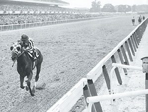 Secretariat wins the 1973 Belmont Stakes.