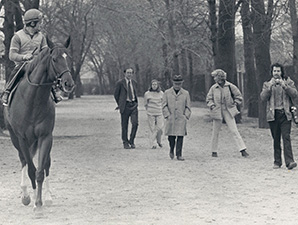 Secretariat heads to the track, with Steve Haskin and Penny Chennery.