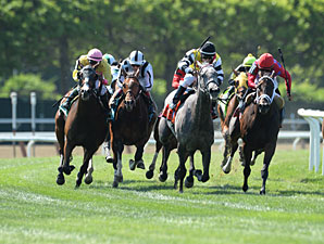 Shakeira wins the 2013 Mount Vernon Stakes.