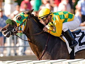Shrewd Operator wins the 2010 White Oak Handicap.