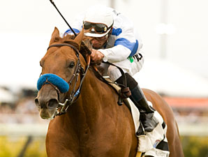 Sidney's Candy wins the 2010 La Jolla.
