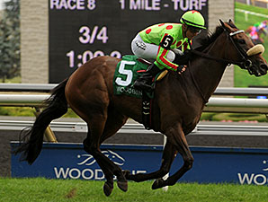 Speed Seeker wins the 2014 Ontario Colleen Stakes.