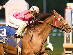 Sumacha'hot wins the 2009 Maryland Million Classic.
