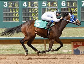 Sweet Dixie Van wins the 2010 CTBA Lassie Stakes.