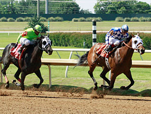 Tastefullyxcessive wins the 2013 Texas Stallion Stakes - Got Koko Division.