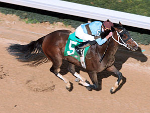 Tiz Miz Sue wins the 2012 Azeri Stakes.