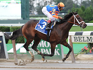 Uncle Mo wins the 2011 Kelso.