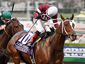Untapable wins the 2014 Longines Breeders' Cup Distaff.