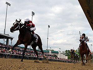 Untapable wins the 2014 Kentucky Oaks.