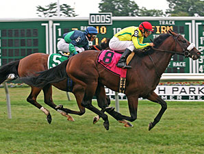 Violon Sacre wins the 2010 Battlefield Stakes.