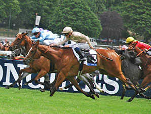 Wavering wins the Prix Saint Alary.