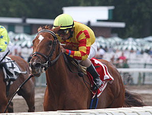 Wine Princess wins the 2012 Monmouth Oaks.