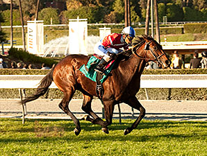 Winning Prize wins the 2014 Arcadia Stakes.