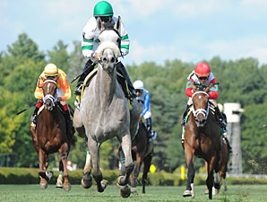 Winter Memories wins the 2011 Lake George.