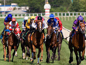 Workin for Hops wins the 2010 American Derby.
