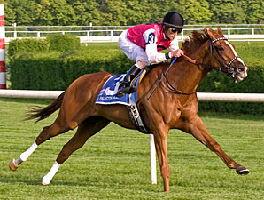 Workin For Hops wins the 2010 Arlington Classic.