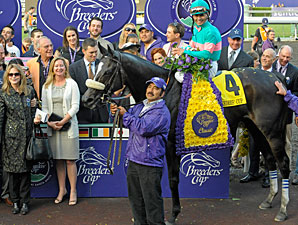 Zenyatta wins the 2009 Breeders' Cup Classic.