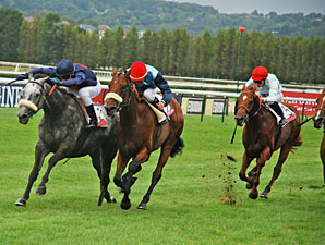 Zinabaa wins the Prix Quincey Lucien barriere