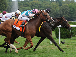 Caroline Thomas wins the Lake Placid Stakes.